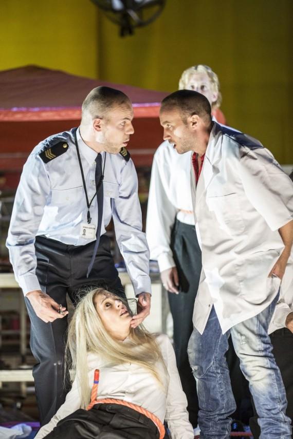 Johanna, Sweeney Todd, Nederlandse Reisopera 2014 (Tyler Clarke as Anthony Hope and Bart Peeters-Weem as Mr Fogg) Photo: Marco Borggreve